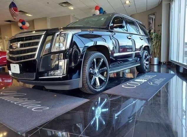 Used 2018 Cadillac Escalade Luxury full