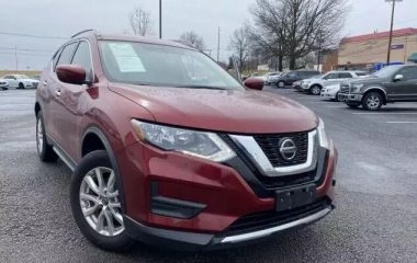 Used 2018 Nissan Rogue SV
